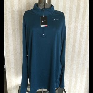 Men's Nike dri-fit long sleeve zip up shirt.